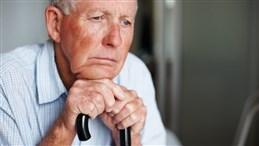 اسباب الاكتئاب عند كبار السن