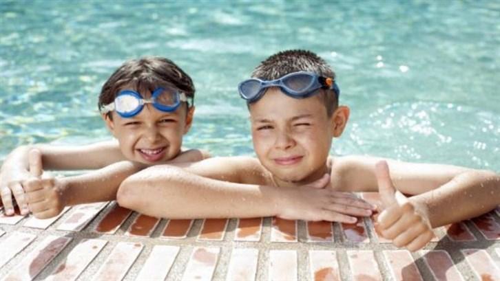 تعليم الطّفل كيفيّة التصرّف في الماء