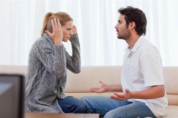 انتقاد ولوم الزوجة