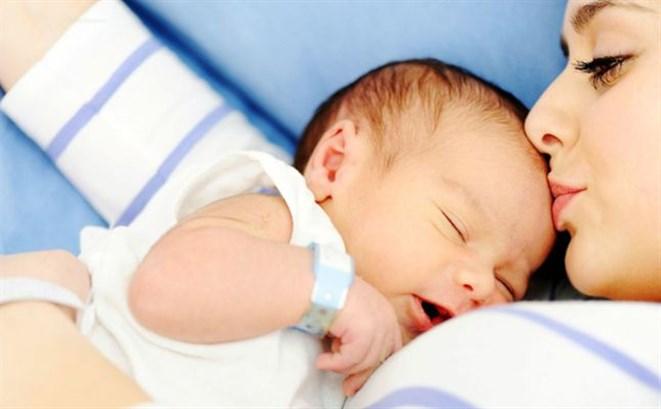 ضعف مناعة الطّفل بعد الولادة