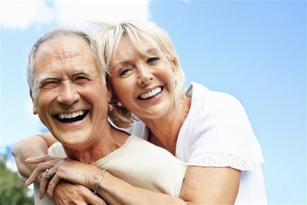 هل يمنع التقدّم بالعمر بلوغ النشوة؟