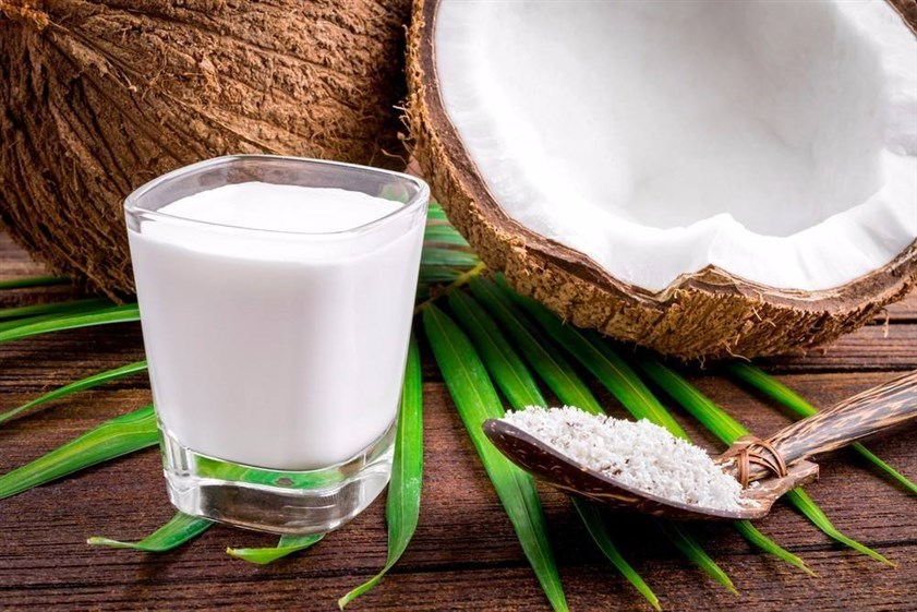 الحليب وجوز الهند