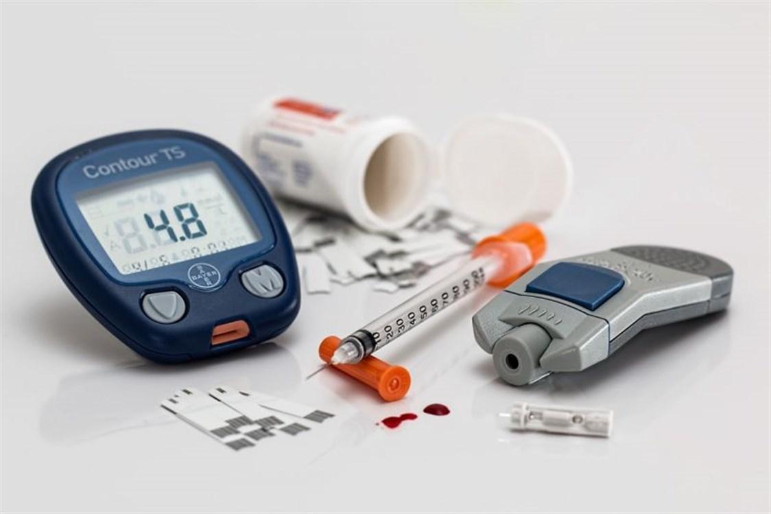 ce20d8863 مرض السكري هو من الامراض المزمنة الشائعة جداً بين النساء والرجال، والكبار  والصغار، ولكن يمكن أن يصيب هذا المرض الاشخاص بدرجات متفاوتة ومستويات  مختلفة، لذا ...