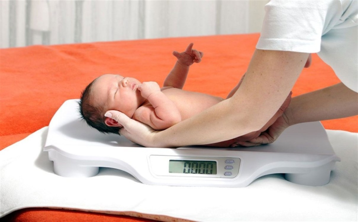 انخفاض وزن الطفل عند الولادة