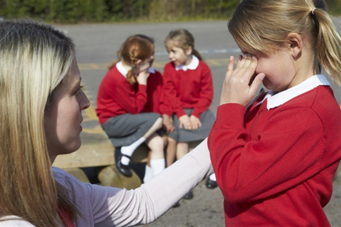 طريقة التعامل مع الطفل المتنمِّر