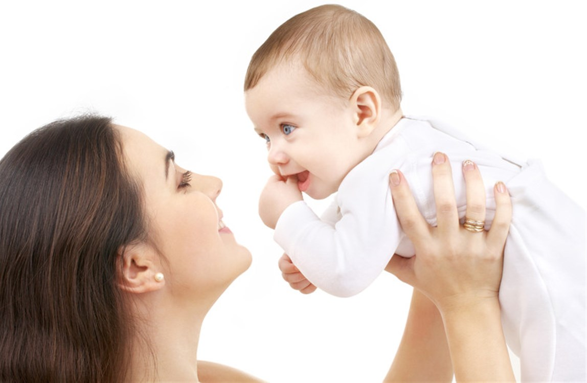 كم مرة يتبرز الرضيع في اليوم