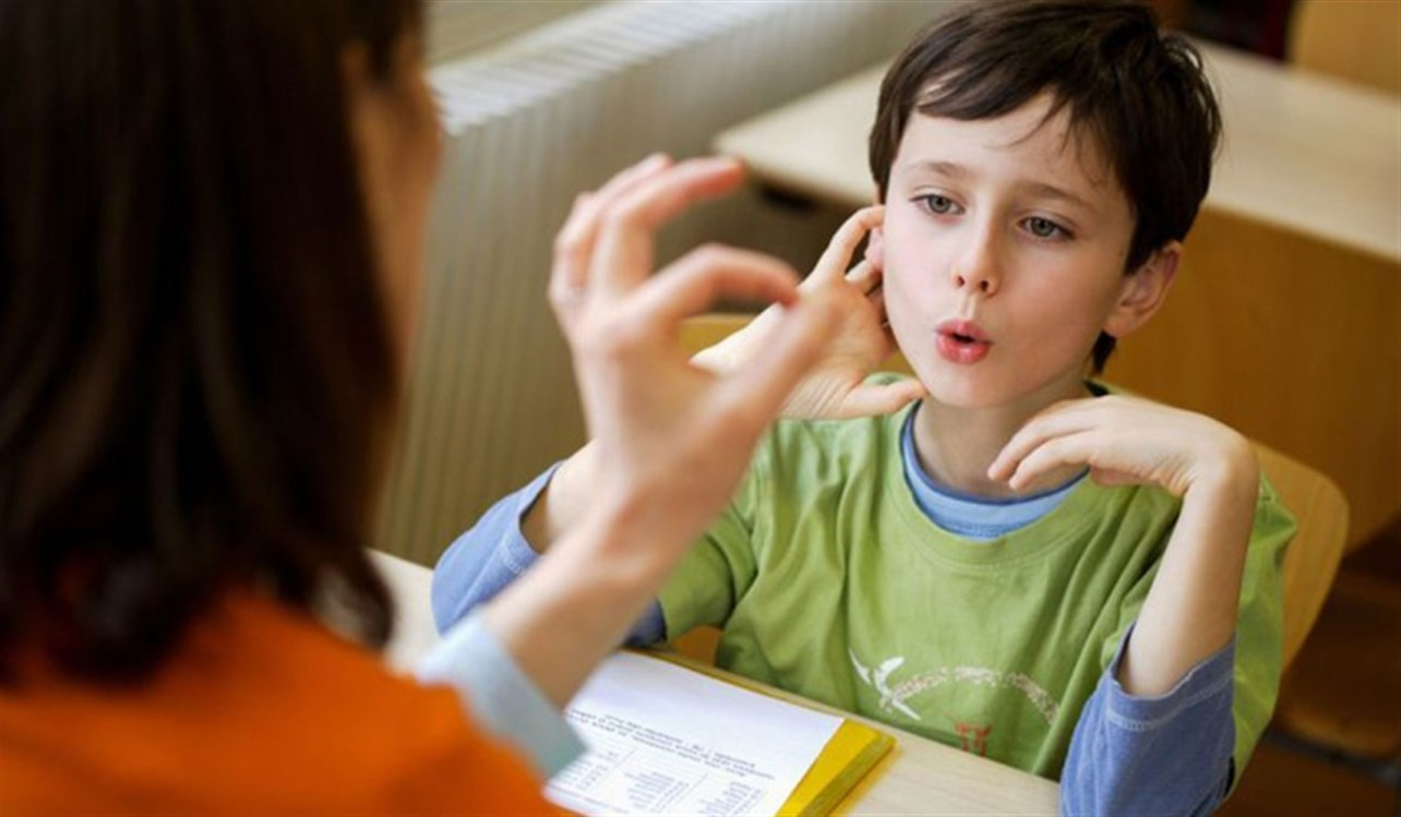 الاسباب النفسية للتلعثم عند الطفل