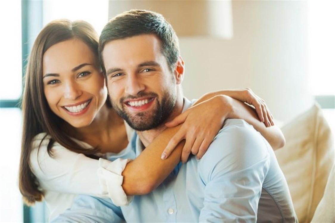لماذا ينجذب الرجل لصدر المرأة