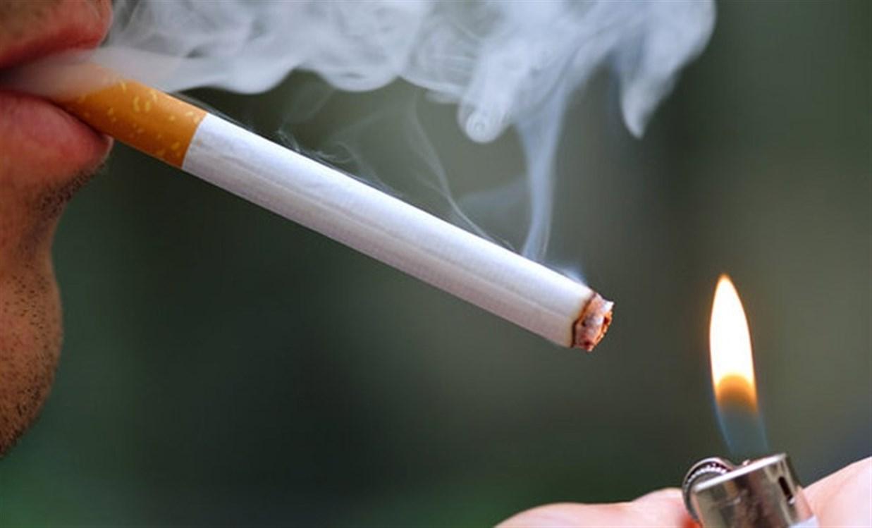 """""""هنا"""" برجراف عن التدخين بالانجليزي"""