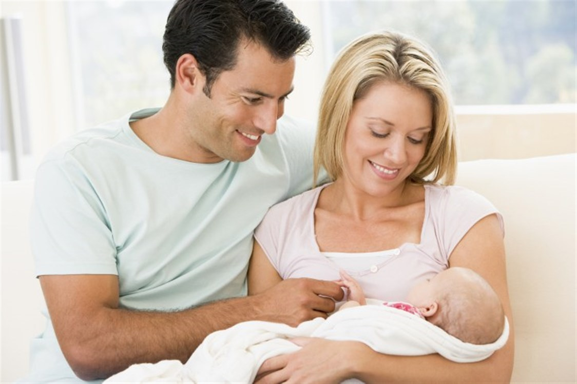 401f2279cd75e بعد الولادة، من الطبيعيّ أن تنقلب حياة الزوجين رأساً على عقب. فالمولود  الجديد سيحدث تغيّرات جمّة في المنزل. كما أنّه يحتاج الى جهد للعناية  والاهتمام به، ...