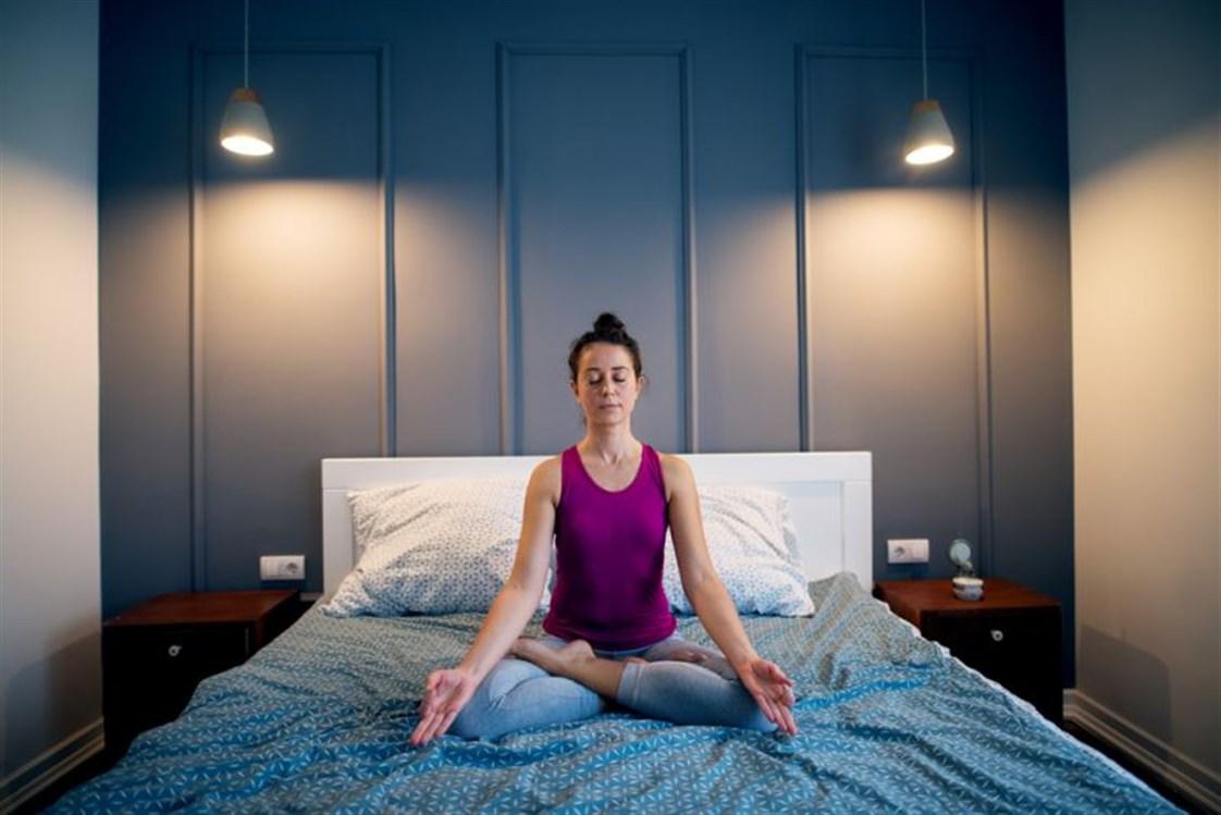 نتيجة بحث الصور عن تقنيات تأمل يمكنك القيام بها في السرير