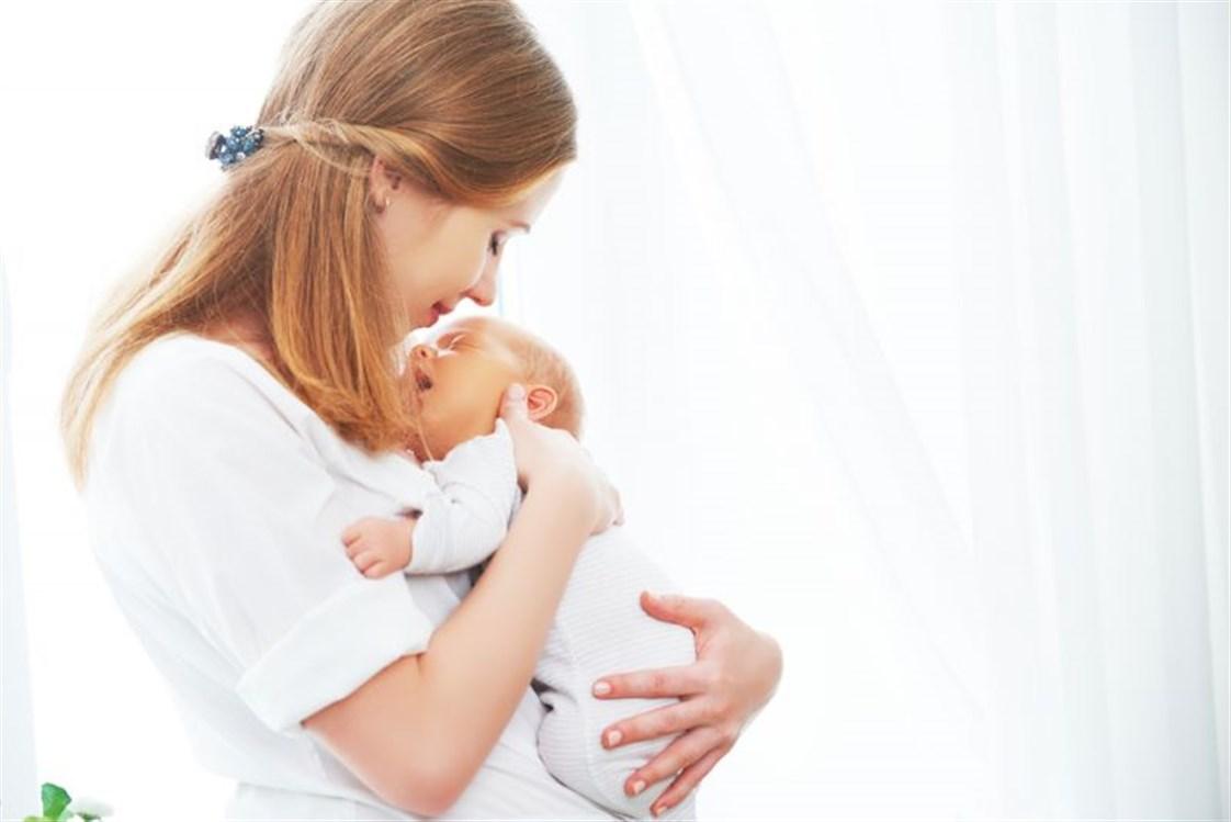 06d0954dd4559 الحمل والولادة عاملان مؤثران بشدة على جسم المرأة، وبعد الولادة إن كانت  طبيعية أو قيصرية، يحتاج الجسم إلى فترة زمنية ليستعيد روتينه الطبيعي.